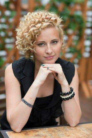 Стилист-парикмахер Юлия Захарова